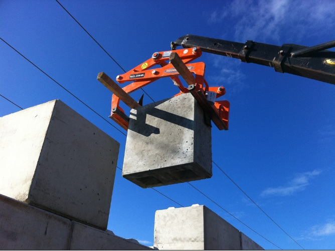 betonblock-handling-clamp-cl60-builing-wall-concrete-block