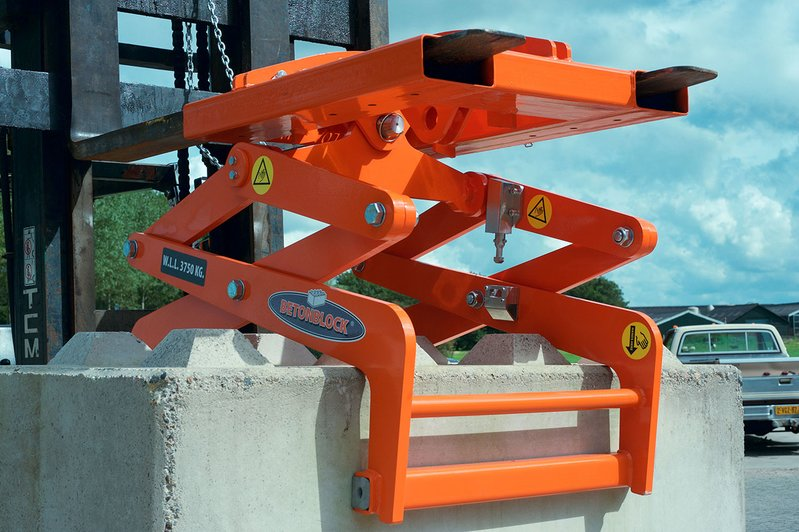 betonblock-handling-clamp-cl80-clA2_combi-lift