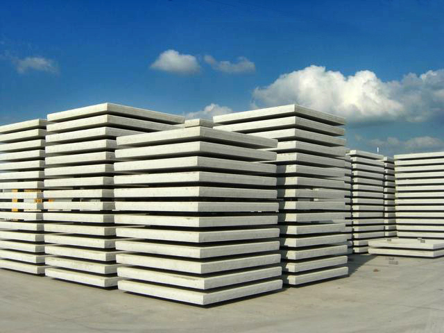 betonblock-pavings-slabs-stock-piles