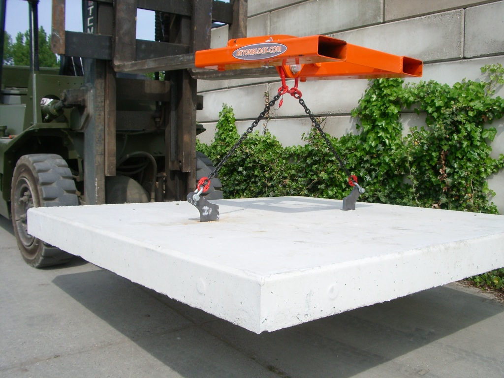 betonblok-pavings-lifting-chain-slab
