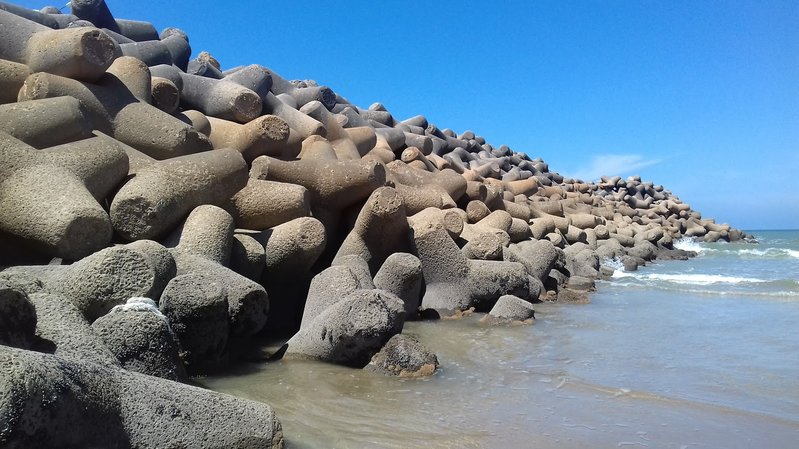 betonblock-tetrapods-coastline-prevention-marocco