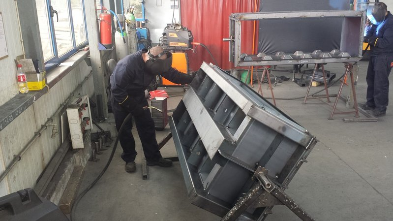 betonblock-factory-welding-manual