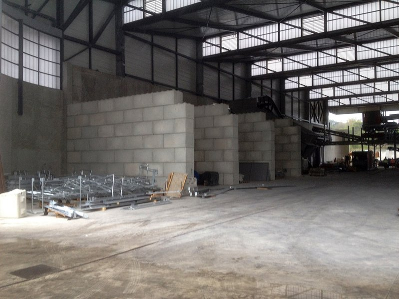 betonblock-concrete-blocks-construction-dividing-walls-store-frejus