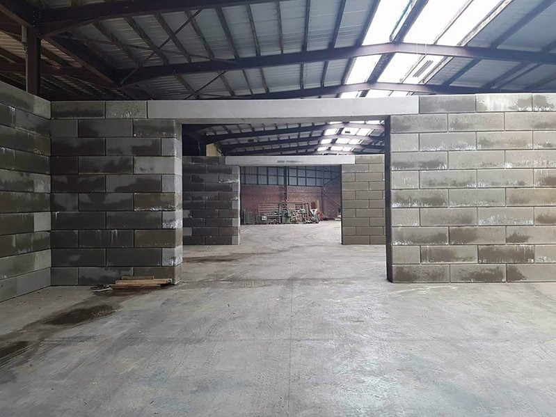 betonblock-concrete-blocks-construction-dividing-walls-store