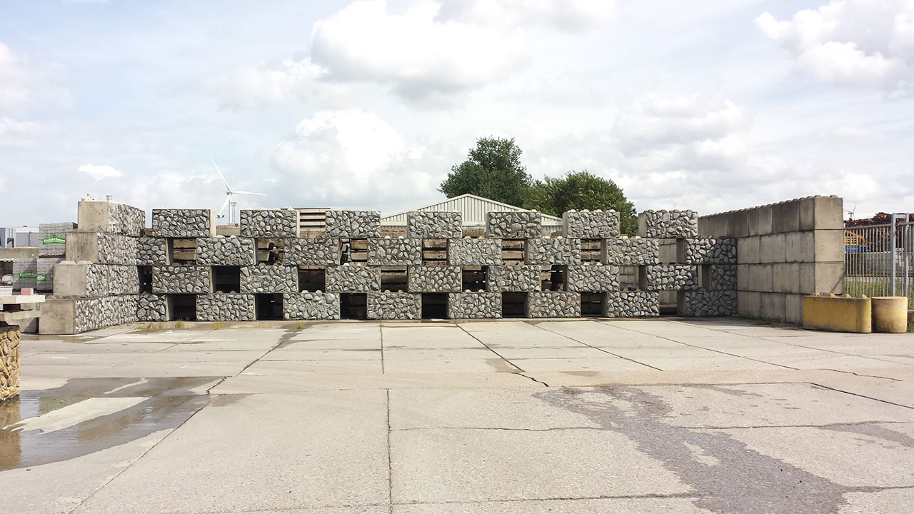 betonblock-concrete-blocks-construction-low-open-fence