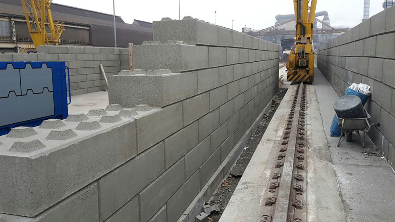 betonblock-concrete-blocks-construction-walls-crane