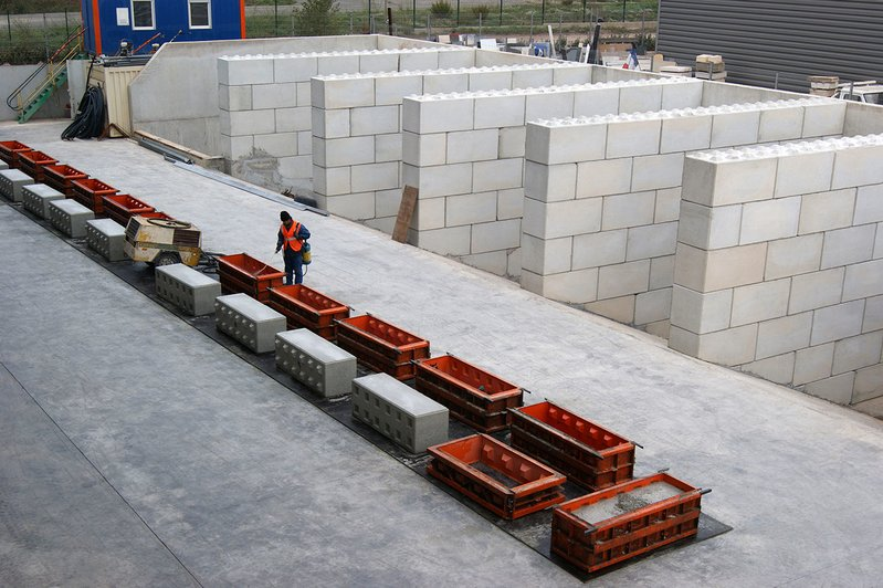 betonblock-making-concrete-blocks